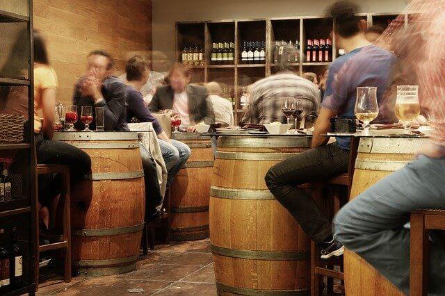 ejemplos de nombres para bares